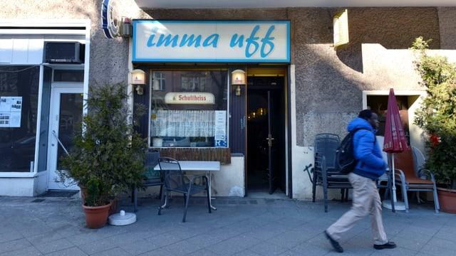 Eine Kneipe in Berlin. Sie heisst «Imma uff».