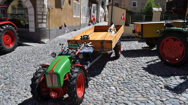 Impressiuns dal 2. inscunter dad oldtimers tractors.