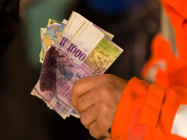 6295.- Franken Sponsoren-/Spendengeld für Kinder in Slums.