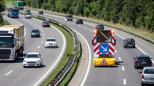 vista sin ils quatter vials d'ina autostrada svizra