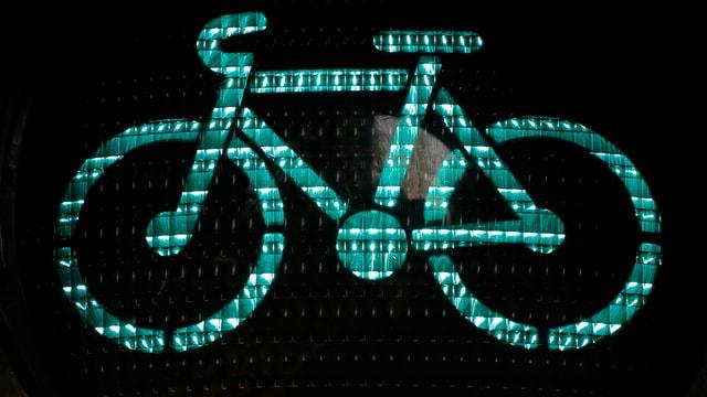 Glisch verda per ils ciclists.