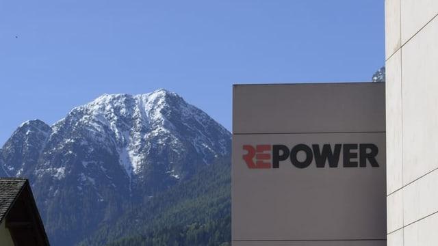 Logo da Repower vi d'in bajetg ed ina muntogna a sanestra.