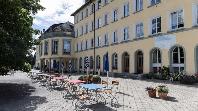 Das Hochalpine Institut Ftan. Blick auf den Haupteingang.
