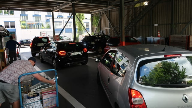 Autos im Ökihof
