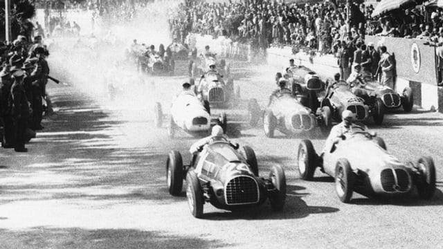 Fangio siegte in San Remo im April 1949. Zweiter wurde der siamesische Prinz Birabongse, Dritter der Schweizer Von Graffenried.