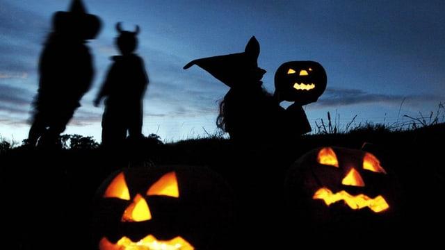 La notg da Halloween ha occupà fitg la polizia da Turitg.