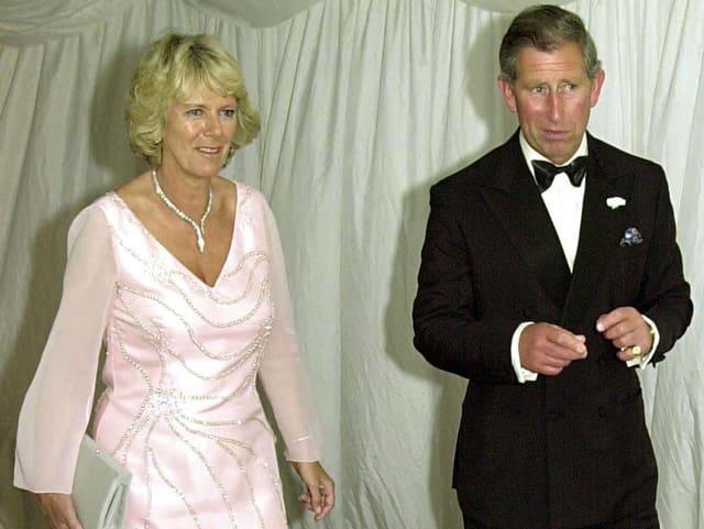 Grosser Schritt: Im Juni 2000 haben Charles und Camilla ihren ersten gemeinsamen öffentlichen Auftritt.
