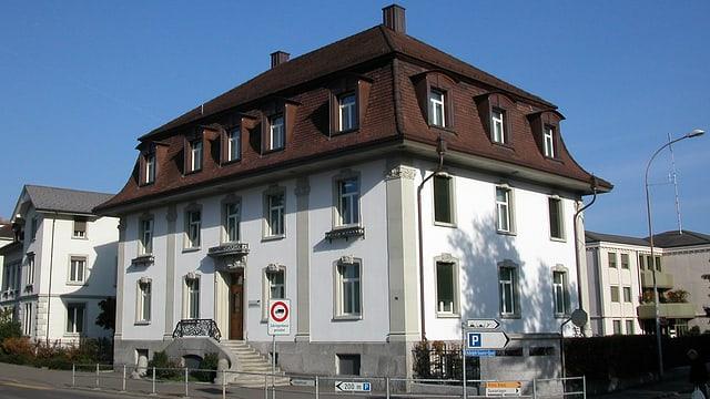 Das Haus im Jugendstil, welcher der Hauptsitz des EKT in Arbon ist.