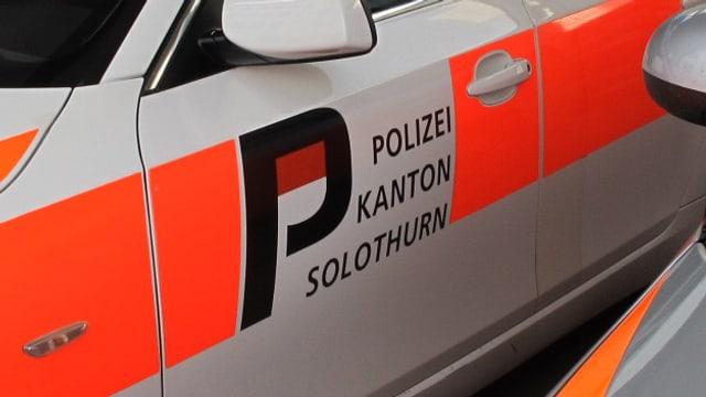 Fahrzeug der Kapo Solothurn mit Schriftzug.