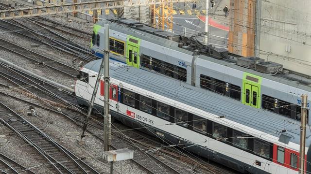 SBB- und BLS-Züge