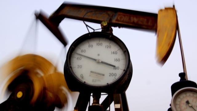 Eine Ölpumpe in Bahrain.