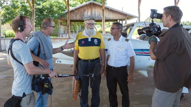 Das Filmteam in Brasilien (Autor Ingolf Gritschneder, Kameramann Jörg Fenske und Assistent Benjamin Katz).