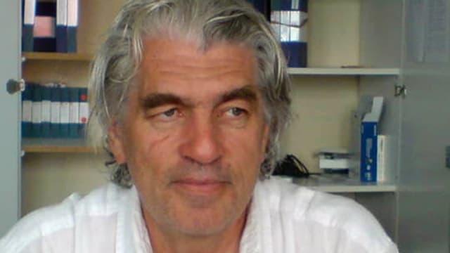 Roland Huber in seinem Büro