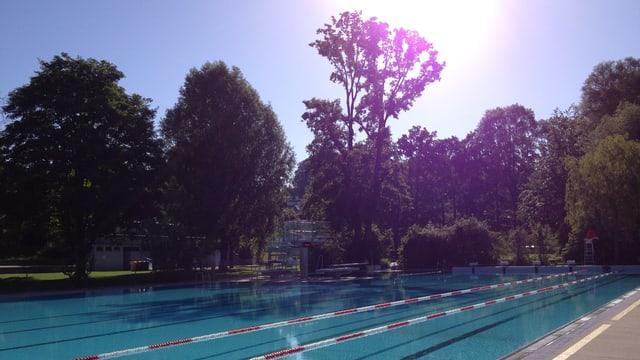Schwimmbecken im Muribad bei Bern