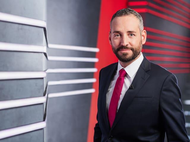 Mario Grossniklaus, Moderator «Tagesschau», wird live aus dem Radiostudio Bern zugeschaltet.
