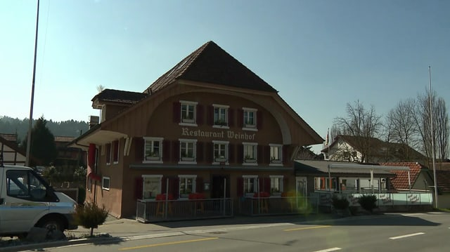 Video «Kanton Luzern – Tag 4 – Gasthof Weinhof, Dagmersellen» abspielen