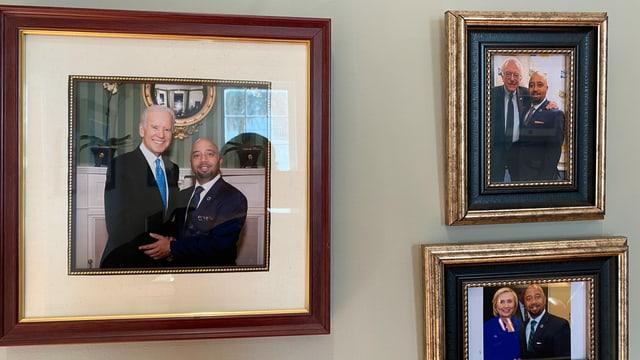 Gerahmt grosse Fotos mit Cezar McKnight gemeinsam mit bekannten US-Demokraten