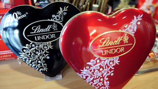 Zwei Lindor-Herzen