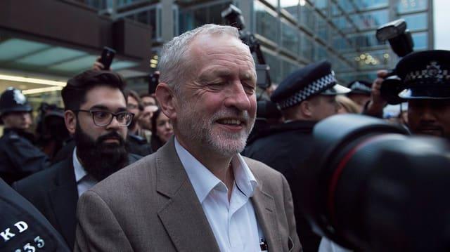 Die schwere Krise in der Labour-Partei unter Jeremy Corbyn dürfte sich noch über Wochen hinziehen.