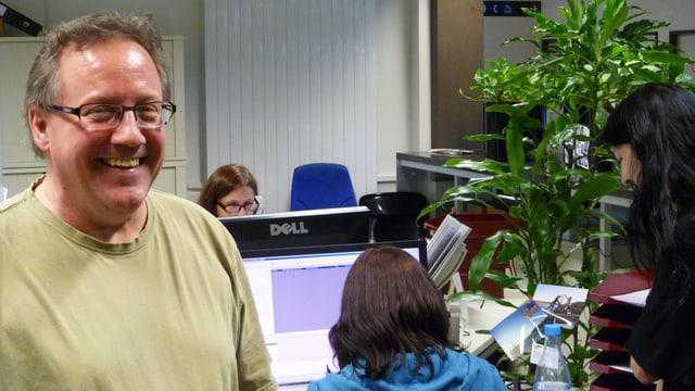 Beat Keller, Verantwortlicher Rechnungswesen beim Strassenverkehrsamt, lacht - seine Abteilung ist parat.