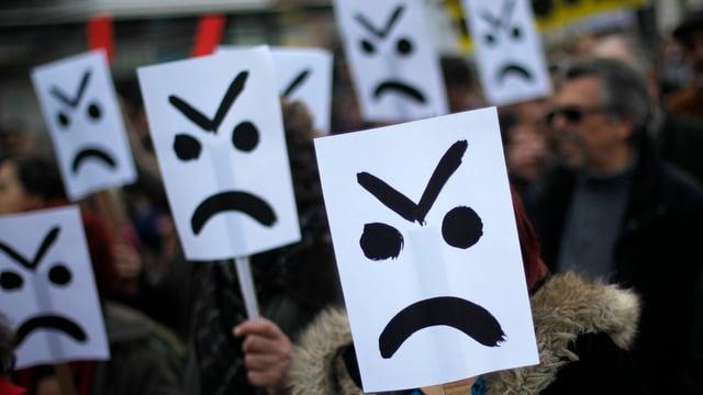 Nicht zufrieden: Die Portugiesen haben den Sparkurs der Regierung satt. Wie soll das Land aber aus den Schulden kommen?