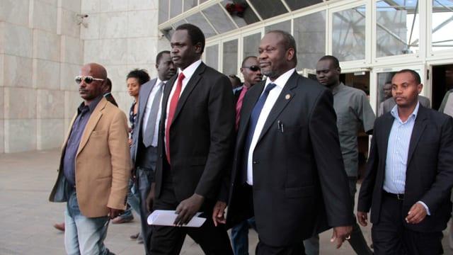 Südsudans Rebellenführer Riek Machar und sein Team verlassen die Friedensgespräche