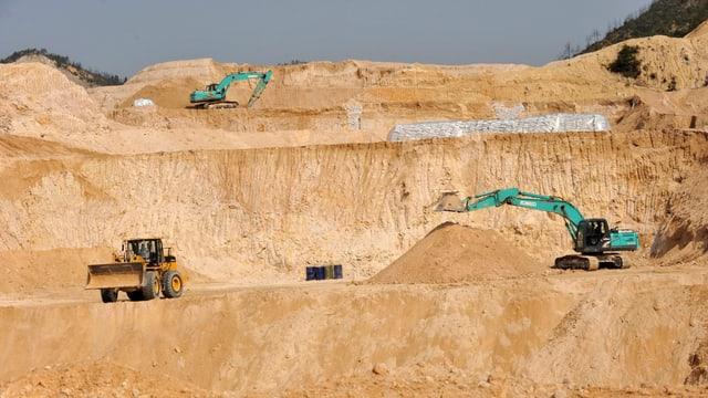 Bagger bauen in China seltene Erden ab.