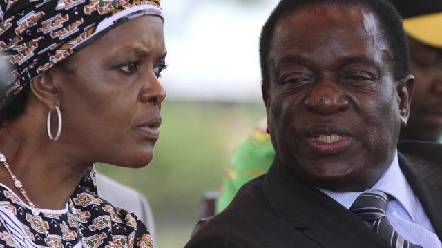 Afrikanische Frau und afrikanischer Mann.