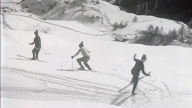 foto nair ed alv, trais skiunzs en la naiv entira avant ca. 50 onns