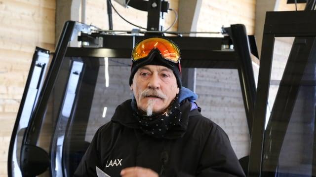 Reto Gurtner durant l'avertura da la telecabina La Siala l'onn 2015.