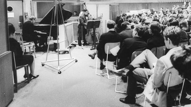 Das «Jazz Live Trio» im Radiostudio Zürich, 1965.