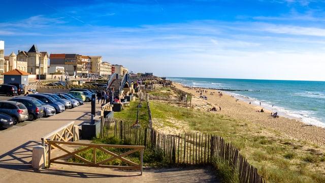 Eine Strandpromenade