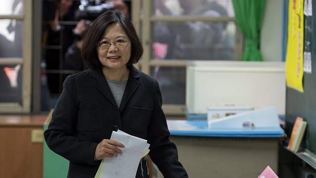 Tsai Ing-wen dat giu sia vusch.