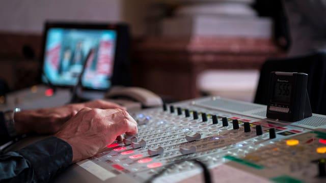 L'intern d'in studio da SRF.