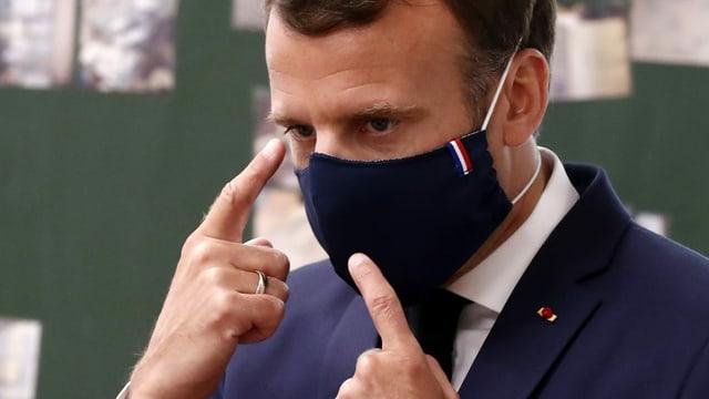 Macron mit Maske