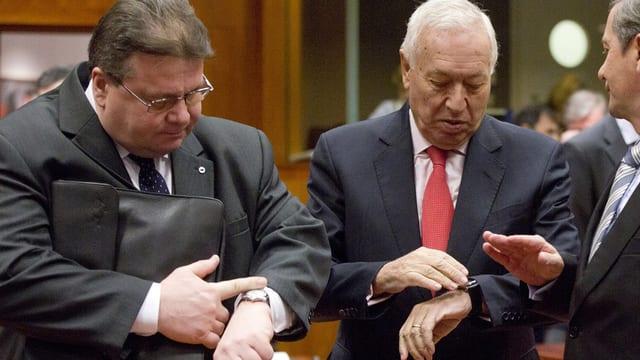 Ils ministers da l'exteriur da la Lituania LInkevicius e ses collega spagnol Garcia-Margallo.