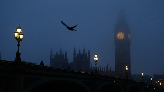 Big Ben im Morgennebel