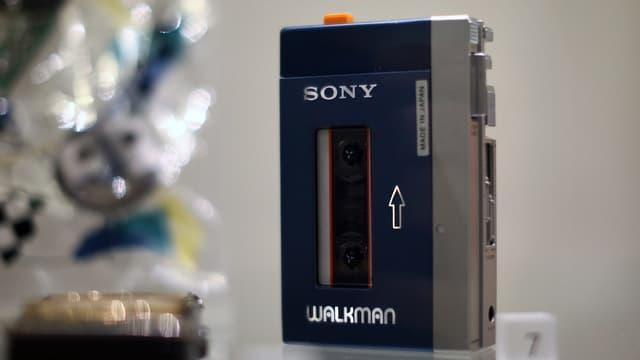 Ein blauer Walkman von 1979.