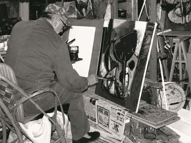 Carl Walter Liner im Pariser Atelier, um 1968