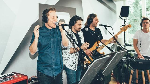 Die Band Hecht bei Ihrem Auftritt am Schweizer Musiktag
