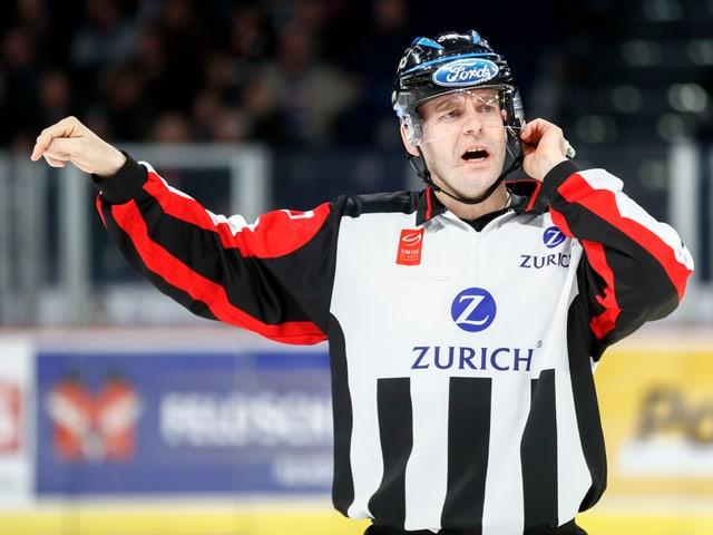 Head-Schiedsrichter Tobias Wehrli.
