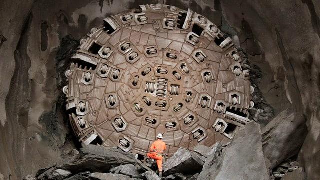 Bohrmaschine im Basistunnel.