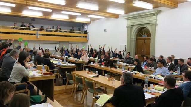 Der Generalrat, das Stadtparlament von Freiburg, stimmt über höhere Steuern ab.