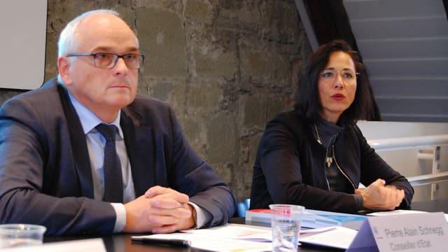 Regierungsrat Pierre Alain Schnegg und seine Spitalamt-Chefin Annamaria Müller.