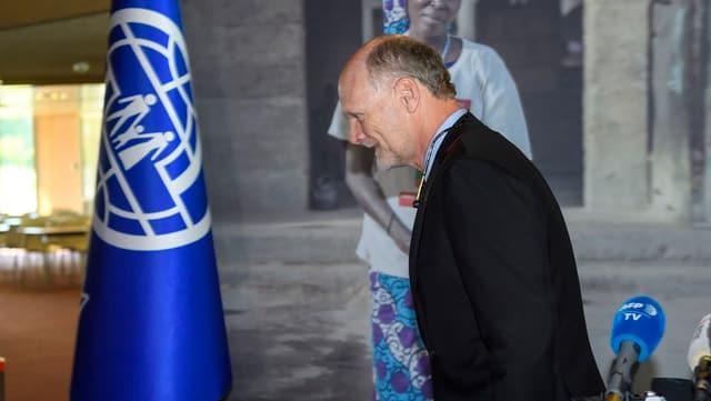 Beschwichtigungen zweckslos: Der Amerikaner Ken Isaacs war den UNO-Mitlgliedsländern nicht genehm.