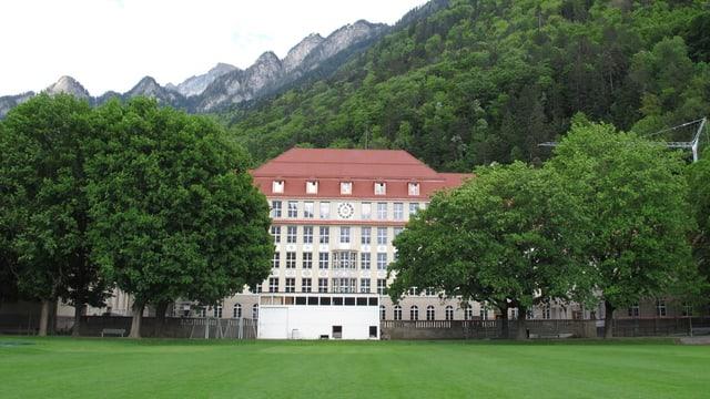 Das Schulhaus Quader in Chur.