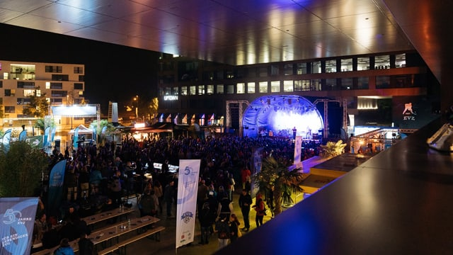 Konzertstimmung vor der Arena
