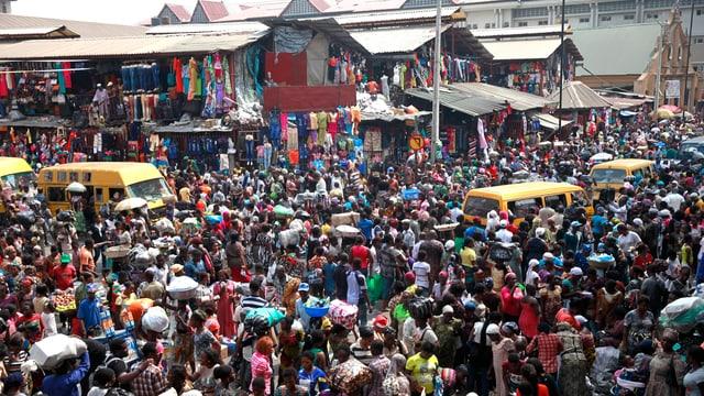 Menschenmenge in Nigeria