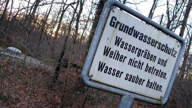 Schild vor Trinkwasserfassung
