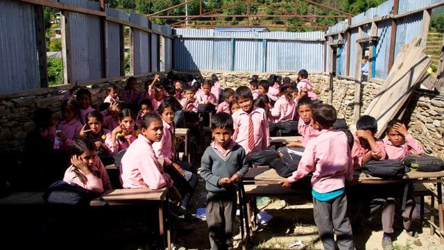 Schule in Leptung